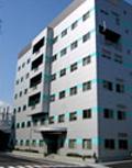 本社・開発センター外観